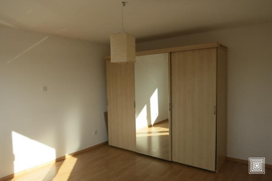 louer maison jumelée 4 chambres 178 m² strassen photo 2