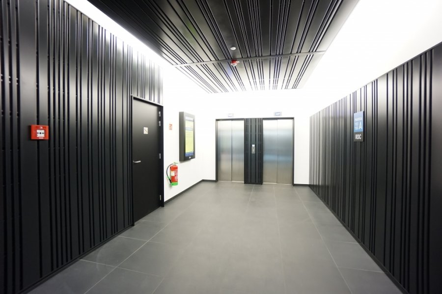 louer bureau 8 chambres 285 m² strassen photo 2