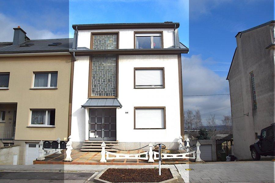 L'agence IMMOLORENA de Pétange a choisi pour vous un appartement à Pétange de 75 m2 au premier étage, à proximité des commerces, transports en commun et toutes commodités, il se compose comme suit:   - Un hall d'entrée de 10 m2  - Un salon avec une cheminée au bois de 21,07 m2 - Une chambre de 15.69 m2 - Une deuxième chambre de 7.32m2 - Une salle de bain faisant 5,30 m2 - Un rangement de 4.67 m2 - un grand garage intérieur pour deux voitures avec porte électrique    A VOIR ABSOLUMENT!!!!  Pour tout contact: Joanna RICKAL: 621 36 56 40 Kevin Simoes Santos: 691 997 874 Vitor Pires: 691 761 110  L'agence Immo Lorena est à votre disposition pour toutes vos recherches ainsi que pour vos transactions LOCATIONS ET VENTES au Luxembourg, en France et en Belgique. Nous sommes également ouverts les samedis de 10h à 19h sans interruption.