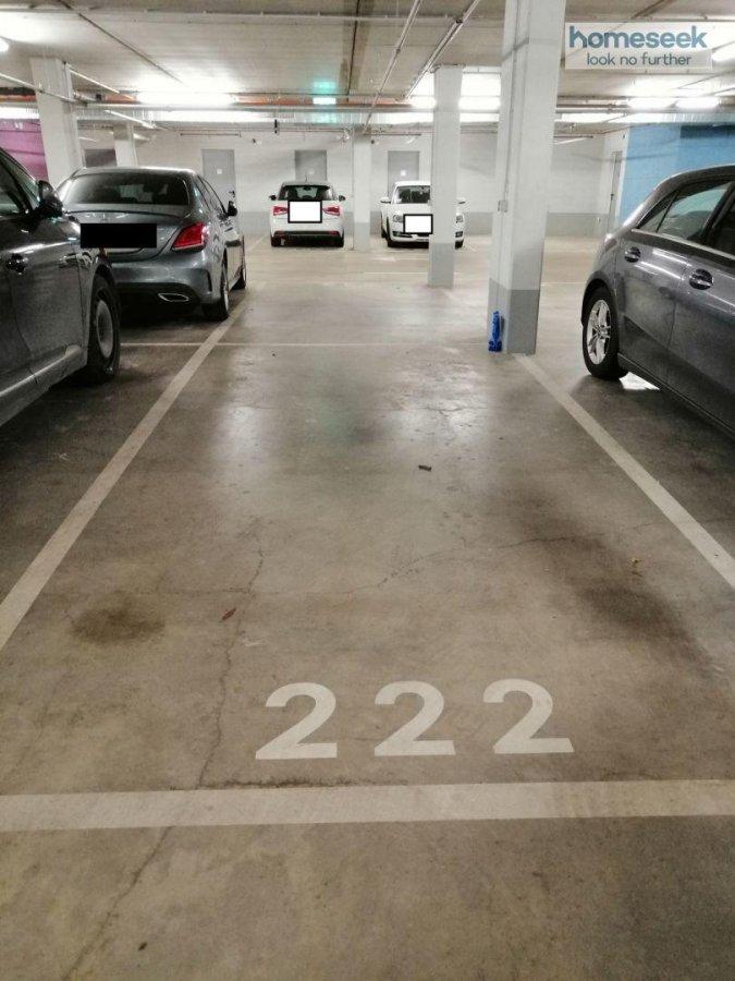 Garage fermé à louer à Luxembourg-Gasperich