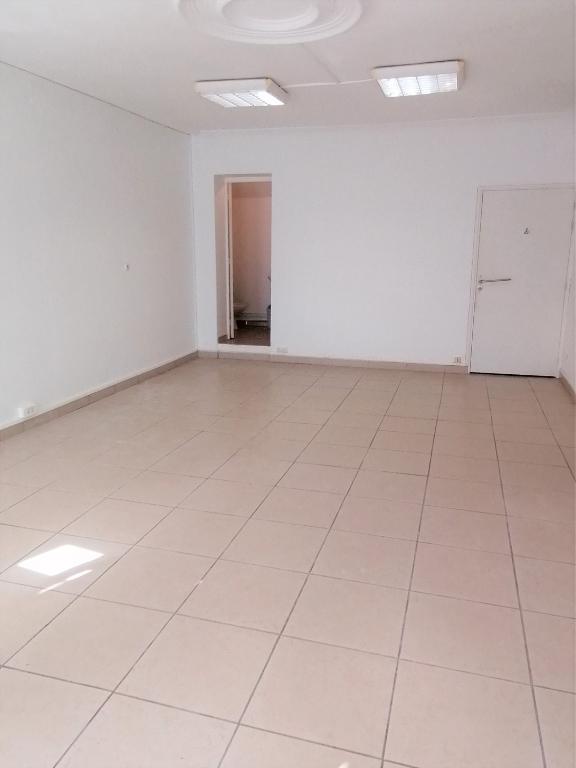 louer bureau 2 pièces 69.46 m² béthune photo 2