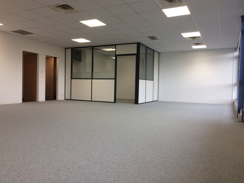 louer bureau 2 pièces 109 m² entzheim photo 3