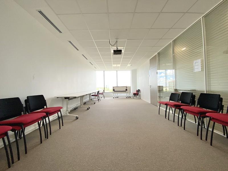 louer bureau 0 pièce 132 m² lille photo 4