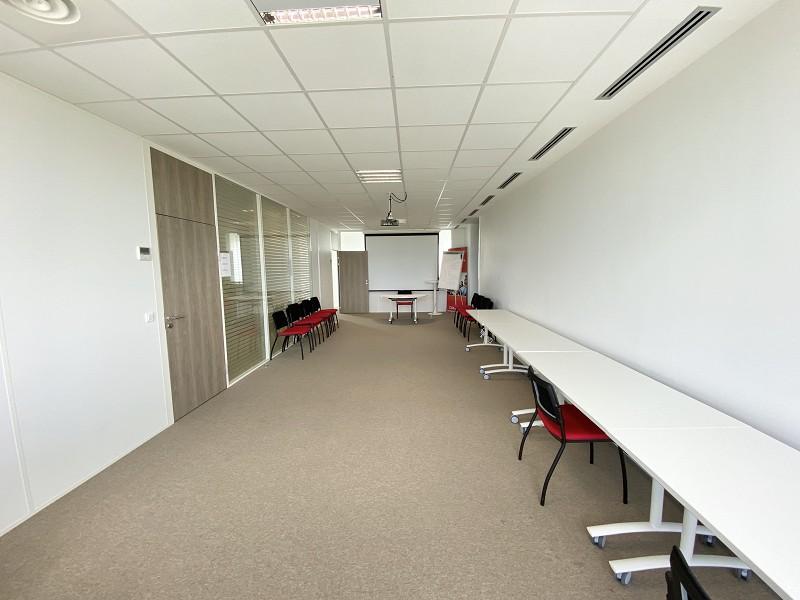 louer bureau 0 pièce 132 m² lille photo 3