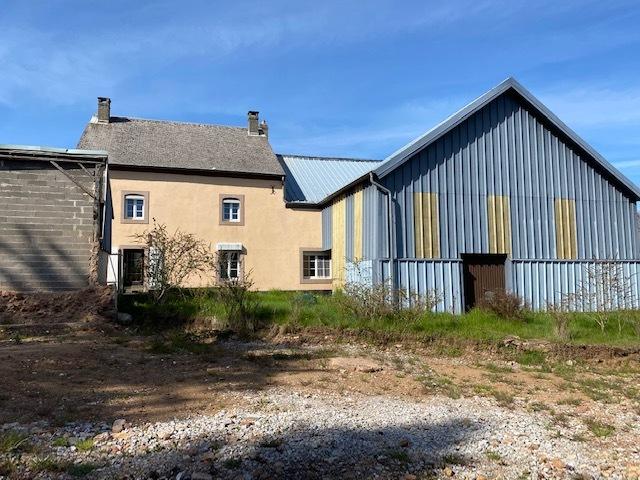 Corps de ferme à vendre 4 chambres à Pratz
