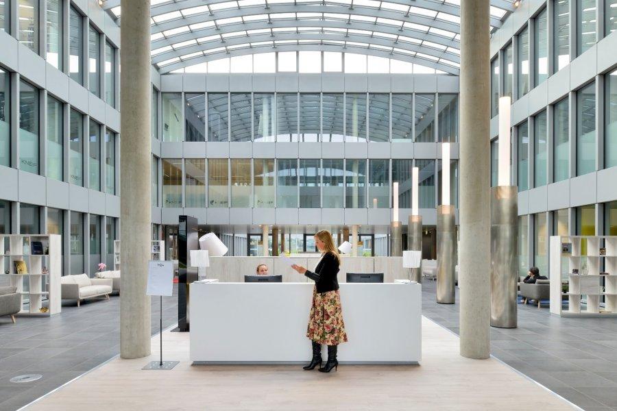 louer bureau 0 chambre 50 m² bertrange photo 3