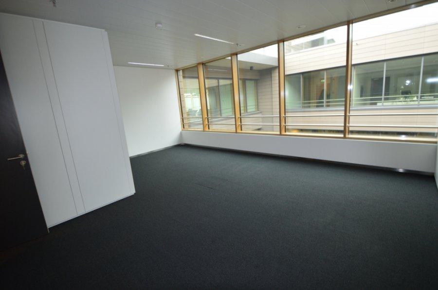 louer bureau 0 chambre 576.69 m² leudelange photo 2