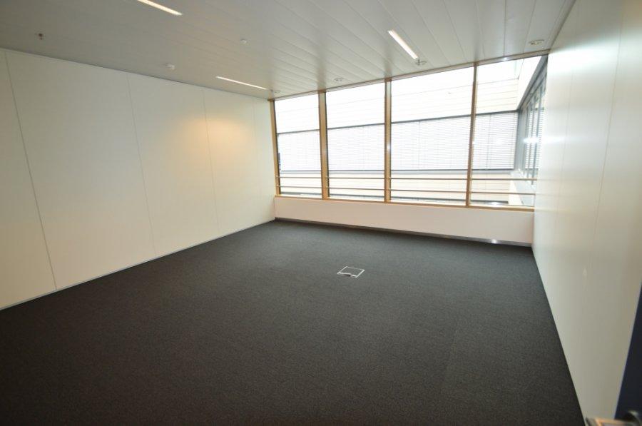 louer bureau 0 chambre 576.69 m² leudelange photo 5