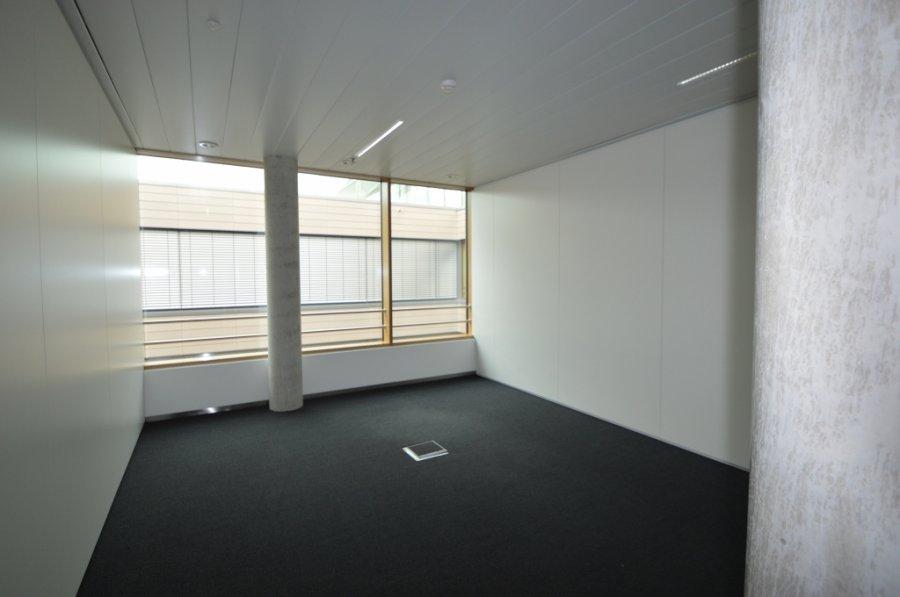 louer bureau 0 chambre 576.69 m² leudelange photo 7