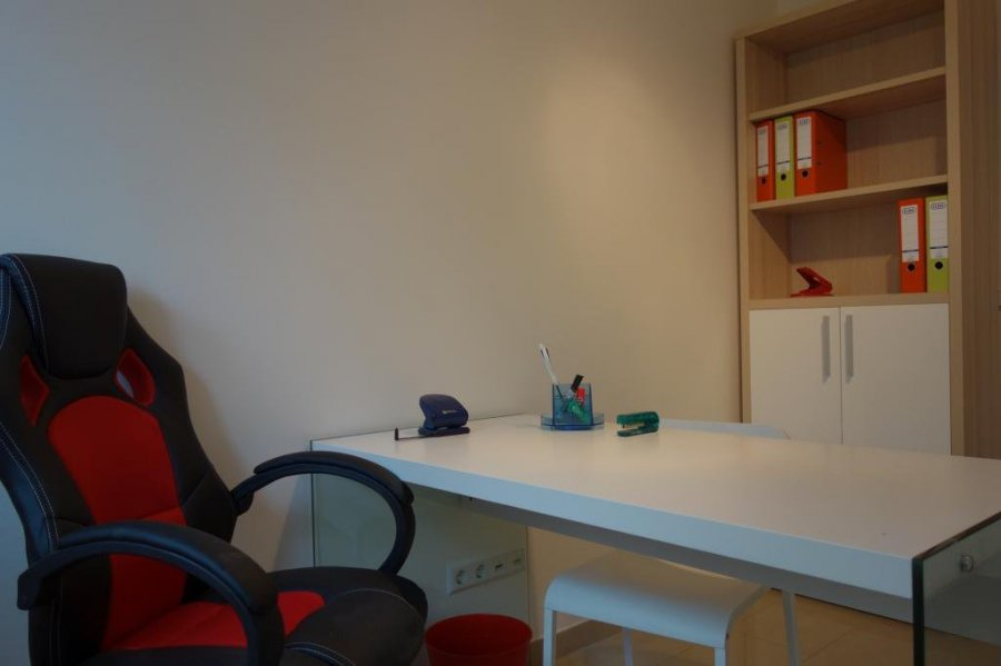 louer bureau 0 chambre 9 m² mamer photo 2
