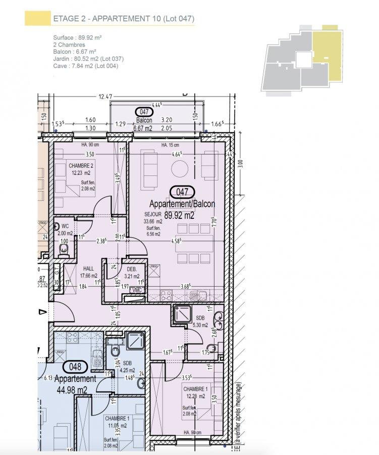 Votre agence IMMO LORENA de Pétange vous propose dans une résidence contemporaine en future construction de 13 unités sur 4 niveaux située à Rodange, 45 chemin de Brouck 1 appartement de 89.92 m2 au PREMIER ETAGE avec ascenseur décomposé de la façon suivante:  - Hall d'entrée de 17,66 m2 - Salle de bain de 5,30 m2 - Un WC sépare de 2 m2 - Un débarras de 3,21 m2 - Cuisine ouverte et salon de 33,66 m2 donnant accès au balcon de 6,67 m2. - Une première chambre de 12,23 m2, une deuxième chambre de 12,28 m2 - Une cave privative, un emplacement pour lave-linge et sèche-linge au sous sol et un jardin privatif de 62,52 m2. Possibilité d'acquérir un emplacement intérieur (25.000 €) ou un garage fermé intérieur (35.000€).  Cette résidence de performance énergétique AB construite selon les règles de l'art associe une qualité de haut standing à une construction traditionnelle luxembourgeoise, châssis en PVC triple vitrage, ventilation double flux, chauffage au sol, video - parlophone, système domotique, etc... Avec des pièces de vie aux beaux volumes et lumineuses grâce à de belles baies vitrées.  Ces biens constituent entres autre de par leur situation, un excellent investissement. Le prix comprend les garanties biennales et décennales et une TVA à 3%. Livraison prévue septembre 2021.  Pour tout contact: Joanna RICKAL +352 621 36 56 40 Vitor Pires: +352 691 761 110   L'agence Immo Lorena est à votre disposition pour toutes vos recherches ainsi que pour vos transactions LOCATIONS ET VENTES au Luxembourg, en France et en Belgique. Nous sommes également ouverts les samedis de 10h à 19h sans interruption. Demander plus d'informations