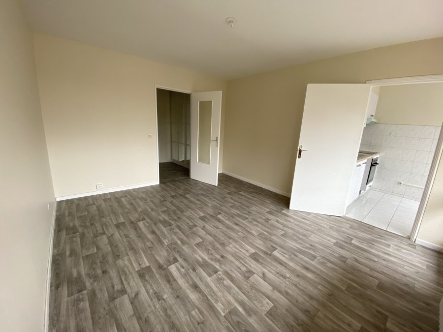 louer appartement 2 pièces 46 m² metz photo 2