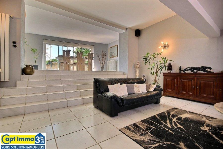 Maison individuelle à vendre F8 à zone commerciale Sémecout