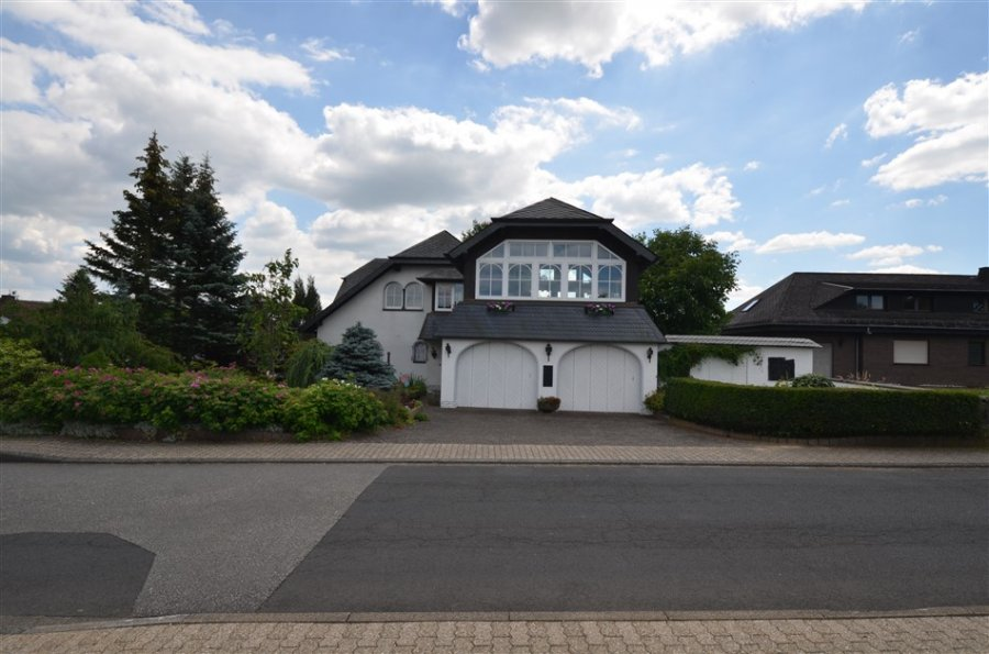 haus kaufen 4 zimmer 228 m² kelberg foto 2