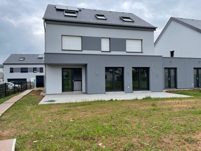 louer maison jumelée 3 chambres 212 m² vichten photo 2
