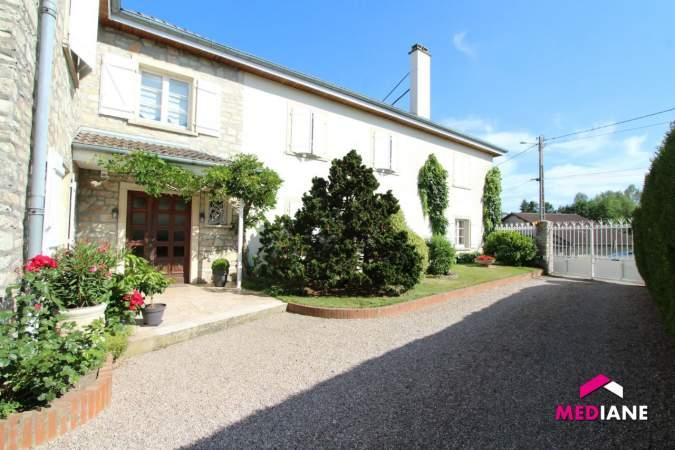 acheter maison 11 pièces 380 m² charmes photo 3
