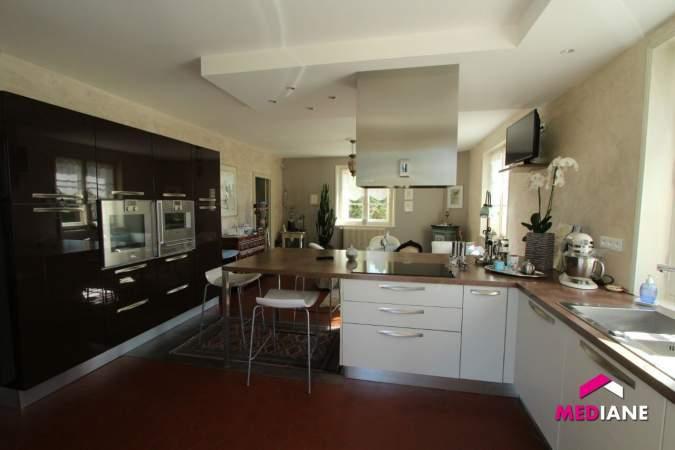 acheter maison 11 pièces 380 m² charmes photo 5