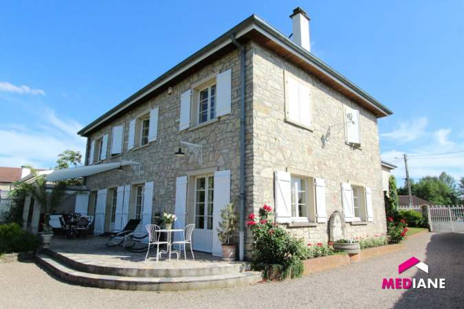 acheter maison 11 pièces 380 m² charmes photo 1