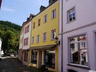 Renditeobjekt / Mehrfamilienhaus zum Kauf 6 Zimmer in Neuerburg - Ref. 4060977