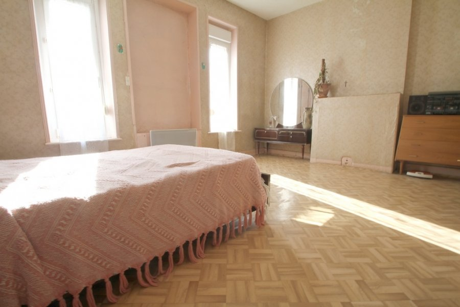 acheter maison 5 pièces 102 m² leyr photo 5