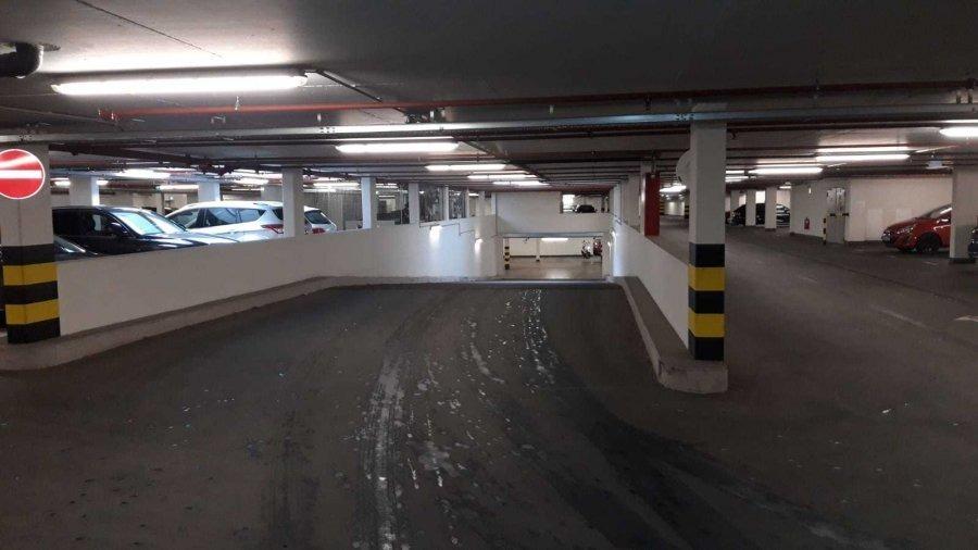louer garage-parking 0 chambre 0 m² bertrange photo 3