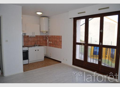 location appartement f2 pinal vosges r f 5630033. Black Bedroom Furniture Sets. Home Design Ideas