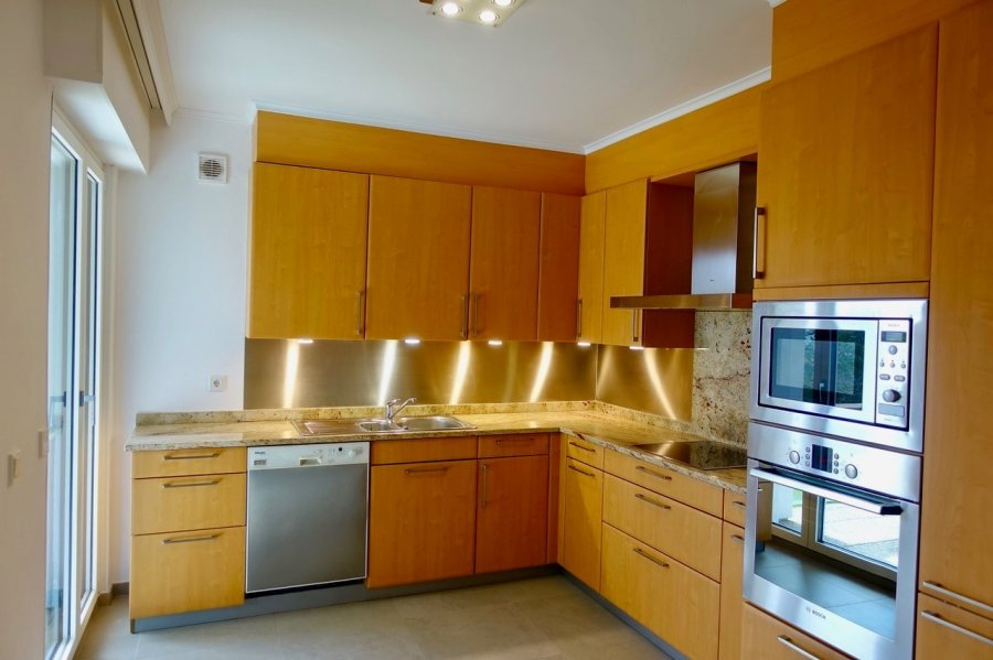 apartment for rent 5 bedrooms 177 m² strassen photo 3
