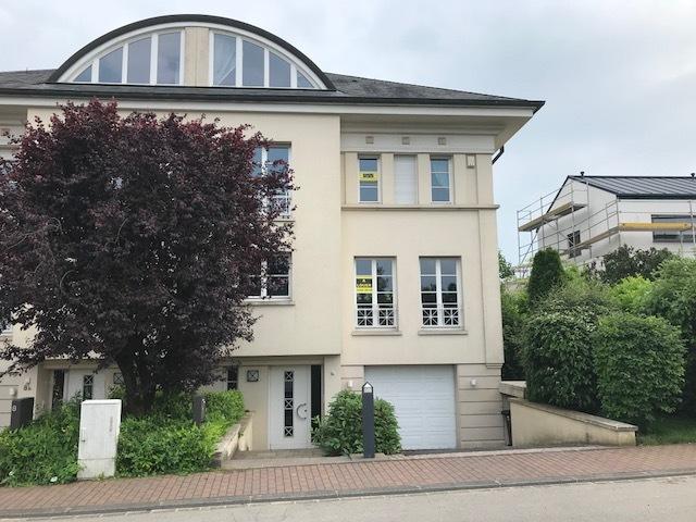 louer maison jumelée 4 chambres 279 m² bertrange photo 1