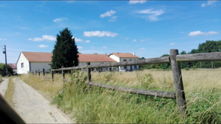 Ferme à vendre F10 à Amel-sur-l'Étang