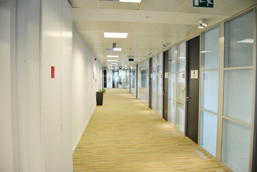 louer bureau 0 chambre 700 m² mamer photo 2
