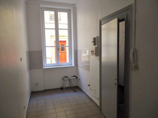 appartement louer metz 10 m 295 immoregion. Black Bedroom Furniture Sets. Home Design Ideas
