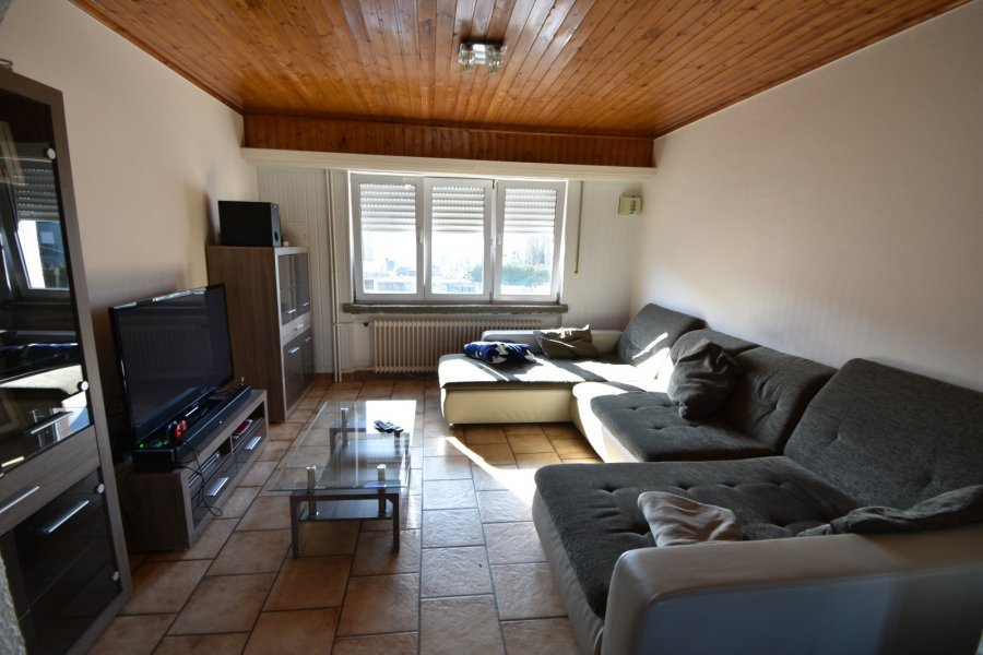 Maison à vendre 9 chambres à Sanem