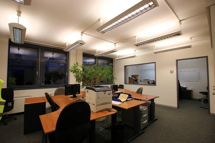 louer bureau 0 chambre 355.08 m² bertrange photo 4
