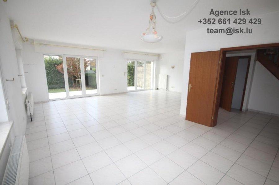 louer maison jumelée 4 chambres 250 m² strassen photo 6