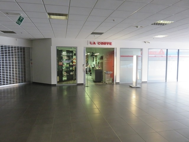 louer local commercial 0 chambre 277.55 m² mertert photo 5