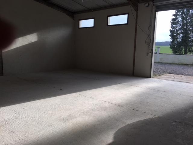 louer entrepôt 0 pièce 70 m² havange photo 3