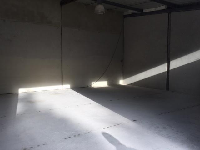 louer entrepôt 0 pièce 70 m² havange photo 2
