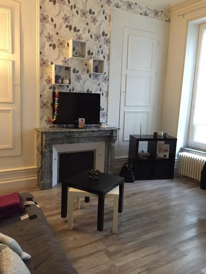 Appartement à louer F1 à Remilly