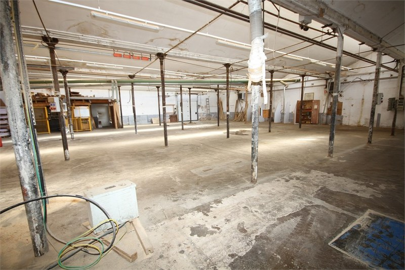 acheter entrepôt 6 pièces 936 m² la bresse photo 3