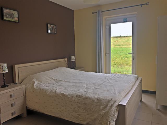 louer appartement 0 pièce 75 m² sainte-ode photo 5