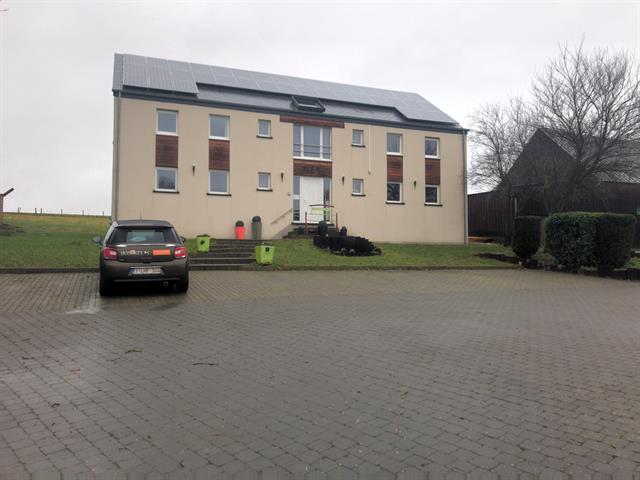 louer appartement 0 pièce 75 m² sainte-ode photo 1