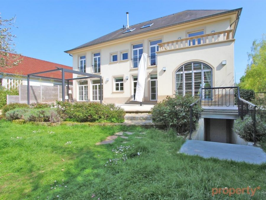 louer maison individuelle 6 chambres 520 m² senningerberg photo 2