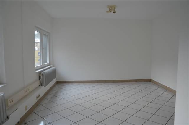 büro mieten 0 schlafzimmer 11 m² rombach-martelange foto 4