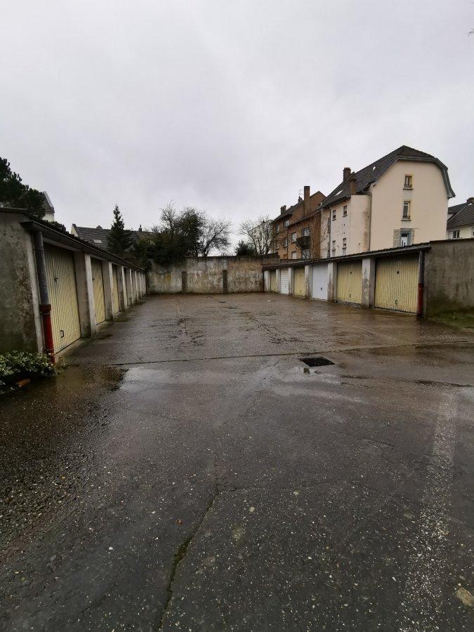 Garage fermé à louer à Metz-Sablon