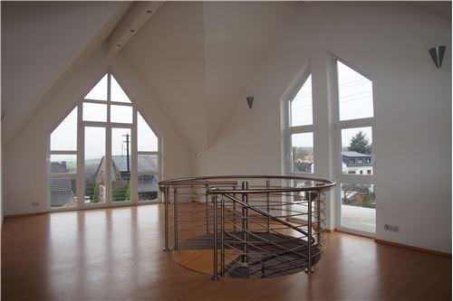 wohnung mieten 4 zimmer 220 m² heusweiler foto 1