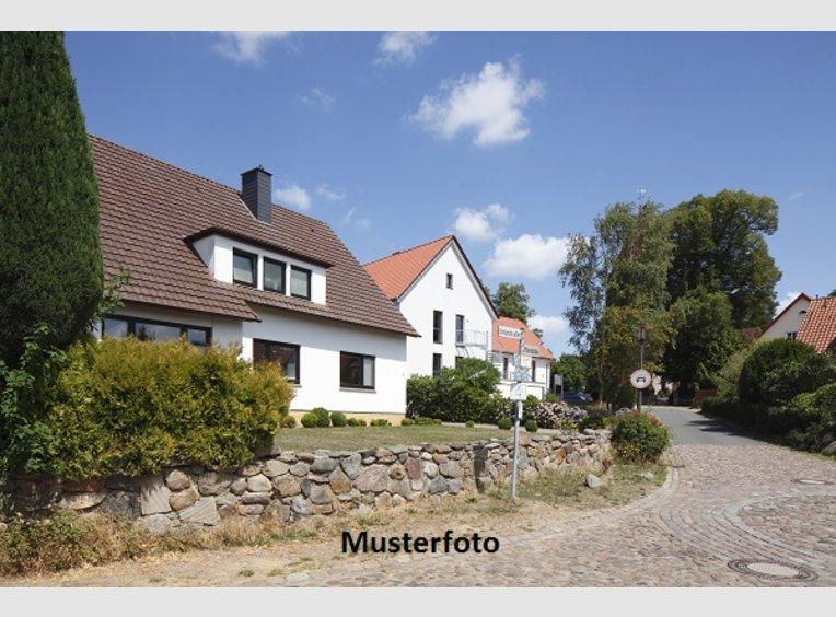 Haus zum Kauf 8 Zimmer in Wadern (DE) - Ref. 6880610