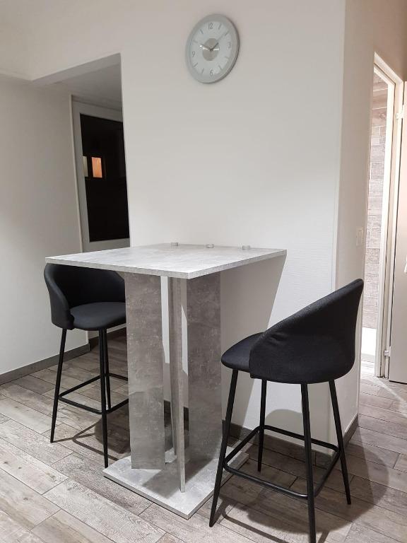 louer appartement 0 pièce 21 m² saint-louis photo 1