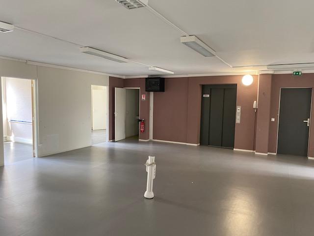 louer bureau 7 pièces 170 m² metz photo 3