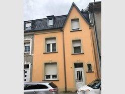 Maison mitoyenne à vendre 4 Chambres à Pétange - Réf. 5747346