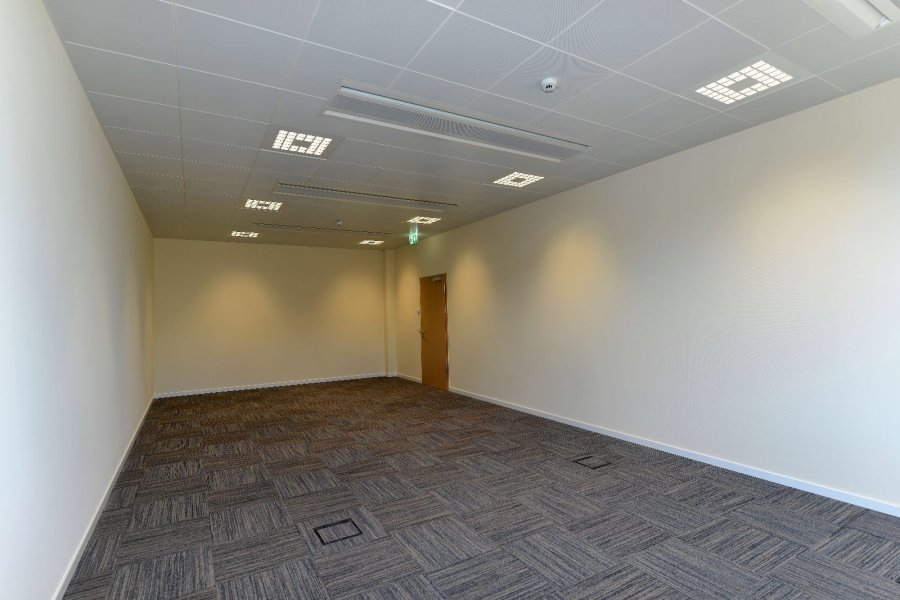 büro mieten 0 schlafzimmer 53 m² windhof (koerich) foto 6